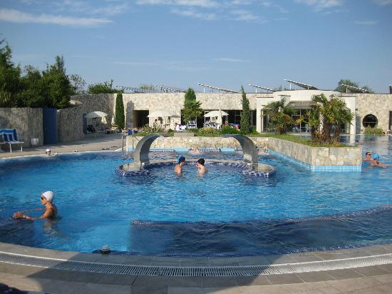 Hotel sollievo terme a montegrotto terme centri termali for Sedute per piscine